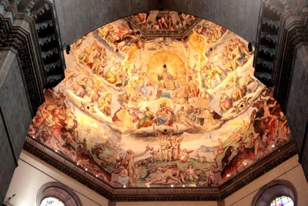 O interior do Duomo