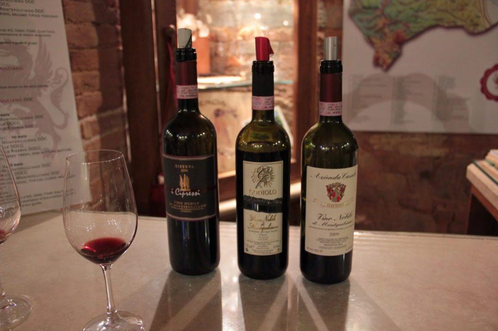 Degustação de vinhos em Montepulciano
