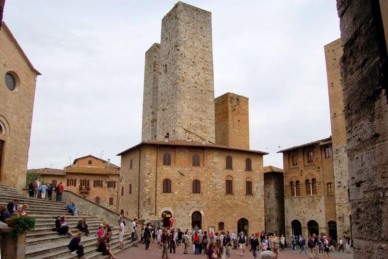 Praça Central de San Gimignano