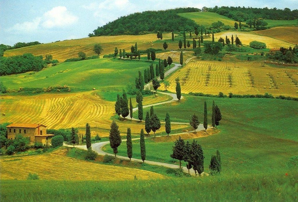 Estradinha na Toscana