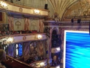 Hora do peça no teatro